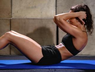 宅トレで本格派のエクササイズ♡ 豊富なトレーニングを収録したアプリ「Fitness Point-女性版」