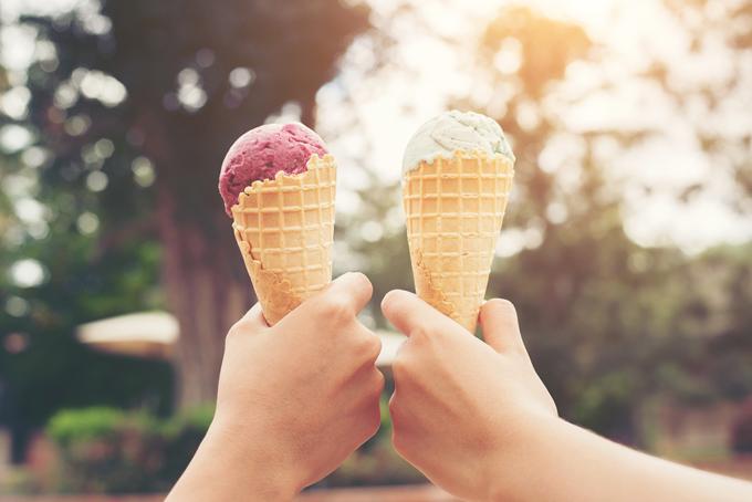 2つのアイスクリームの画像