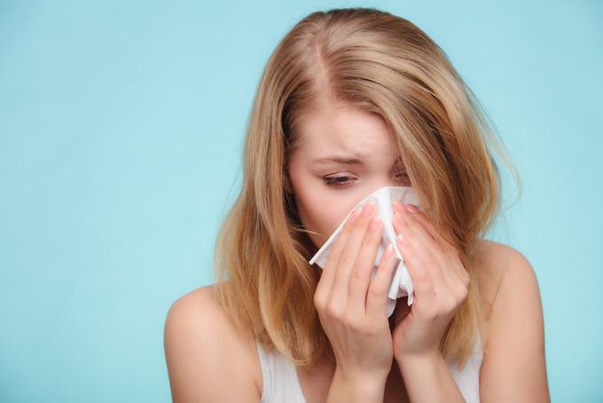 アレルギー反応に似た多様な症状