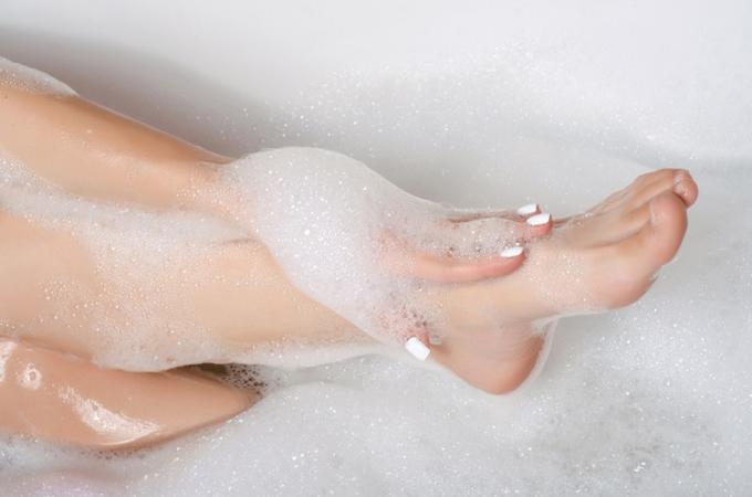 入浴時に体をていねいに洗う