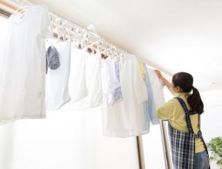 洗濯物がにおう原因は部屋干しじゃなかった! 梅雨時期の洗濯事情を徹底調査