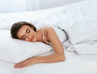 寝返りが腰痛を防いでいた!「寝返り&高反発マットレス」睡眠時の腰痛対策