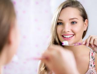 梶芽衣子さんが使っている歯ブラシは8本!? 自分に合った歯ブラシを選ぶコツ