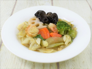 お皿に盛った「1/2日分の野菜! 6種野菜の旨塩炒め」の画像