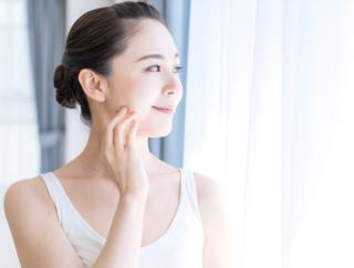 肌のうるおいを引き出すためにこだわりたい化粧水の正しい選び方、つけ方のコツ