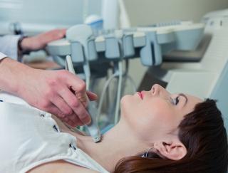 甲状腺の症状のない機能低下、「ホルモン補充」は不要と専門家が勧告