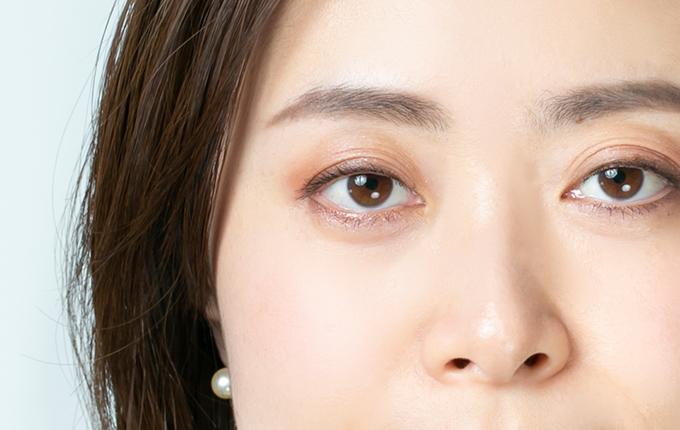 眉メイクの整った女性の画像
