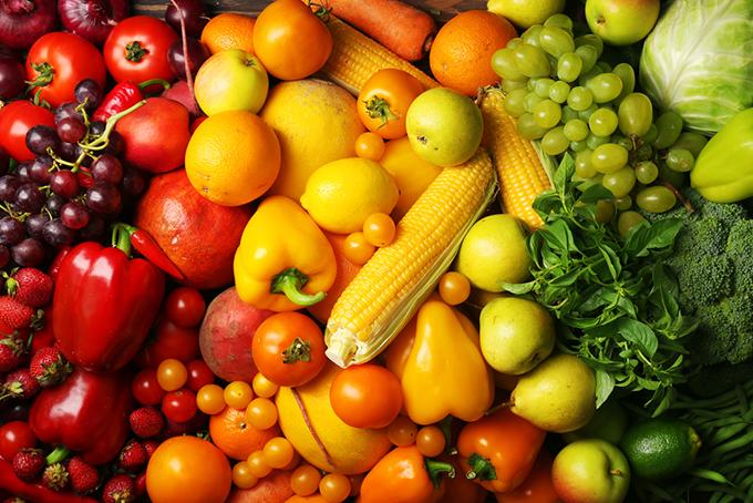 カラフルな野菜や果物の集合