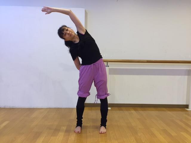武田亜希子さん背中すっきりエクササイズ3