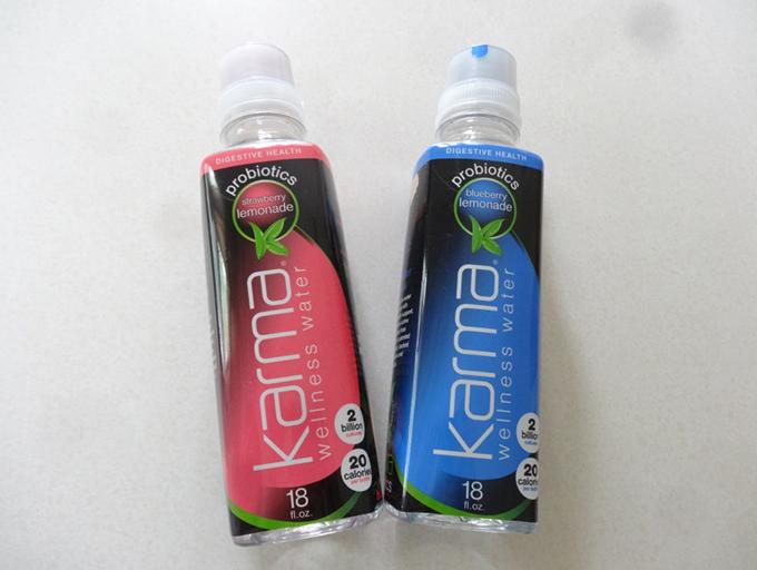 粉末タイプがボトルキャップに内蔵された便利なタイプもあります