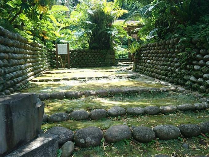 大里の玉石垣の写真