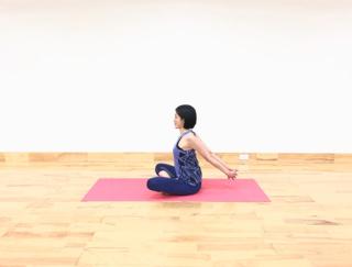 どこでもできる簡単ストレッチ!肩甲骨を動かして、美姿勢&夏バテ予防!