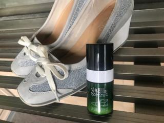 消臭パウダーと靴