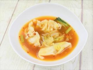 ツルもち食感に大満足! 甘辛テイストがクセになるローソンの「旨辛! 餃子と野菜のチゲスープ」