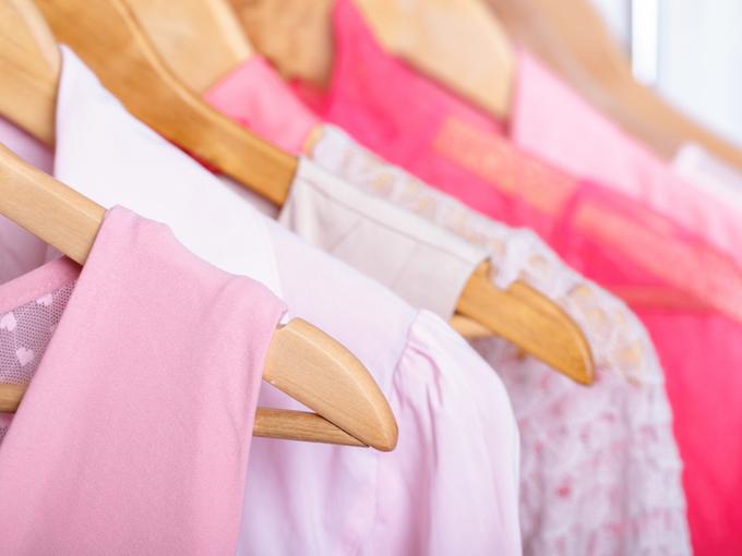 ピンク系の服の画像
