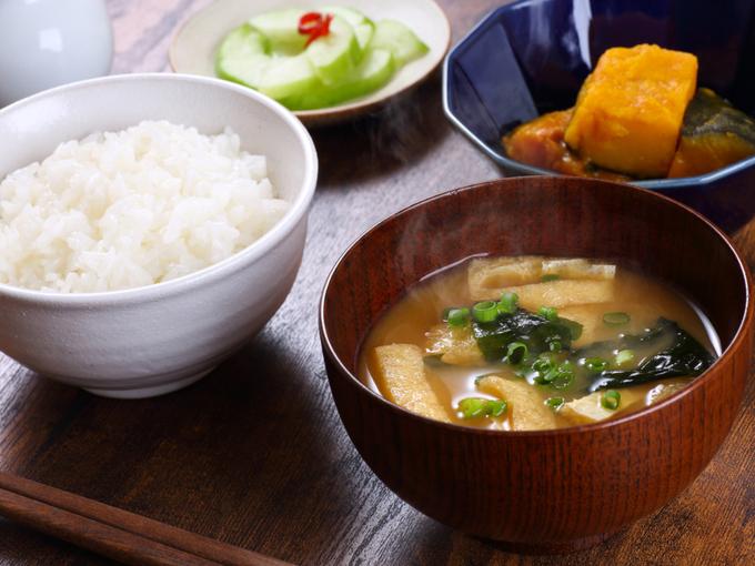 一汁三菜が基本といわれる和食