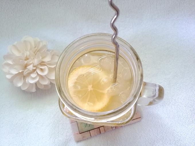 強炭酸で作るはちみつレモンスカッシュ上から撮影