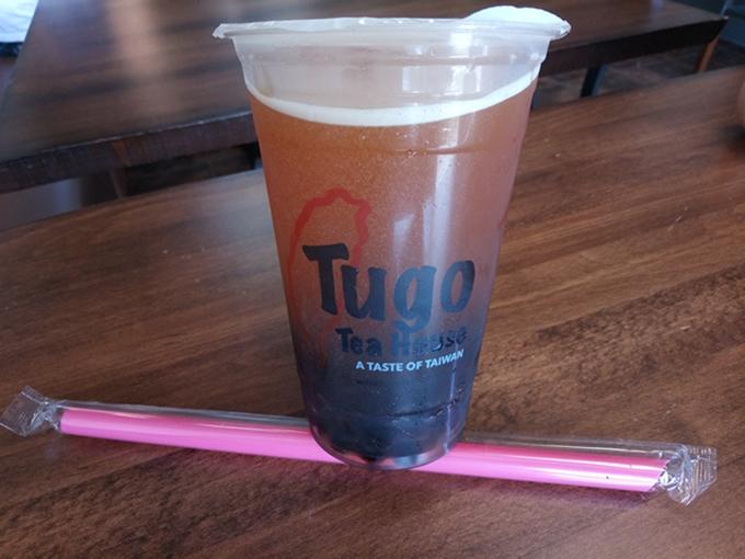 サッパリ系が好きな人は無糖の紅茶にタピオカを入れてさわやかに飲む人も