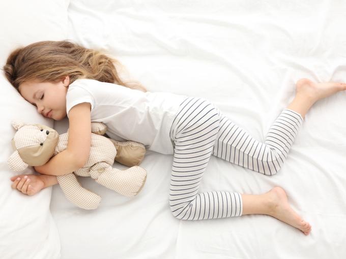 ぐっすり眠る子ども