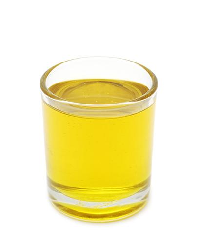 グラスにはいったオリーブオイル