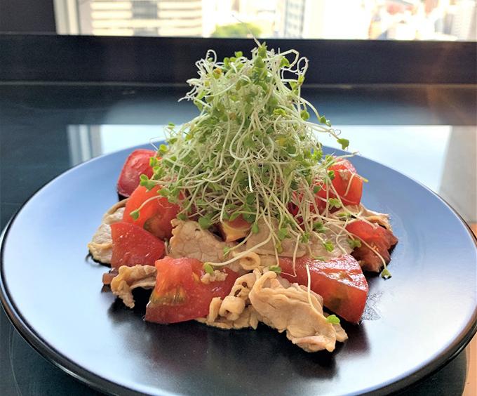 ブロッコリースーパースプラウト、豚肉、トマトの冷しゃぶサラダの画像