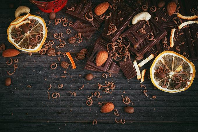 ナッツ類にチョコやドライフルーツをプラスするのも おすすめ