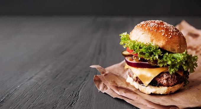 ファストフードのハンバーガーもOKに