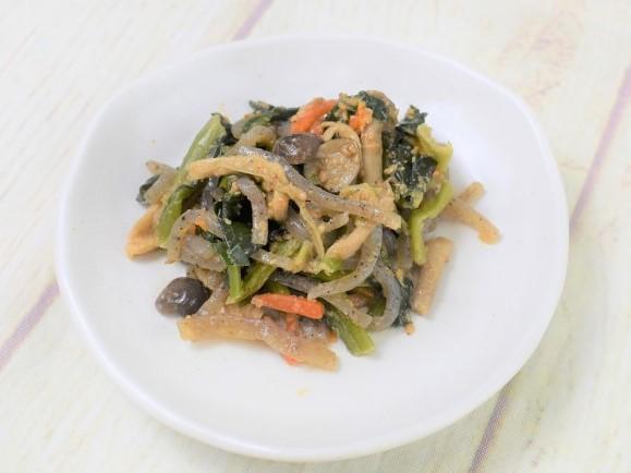 お皿に盛った「小松菜としめじの胡麻和え」の画像