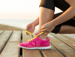 """足の裏から健康をチェック!""""アーチくずれ""""のセルフチェックと予防&改善体操"""