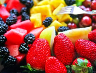 ぽっこりお腹がすっきり解消!朝食をフルーツにするだけの「フルモニ」ダイエット