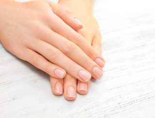 指先から健康状態が分かる♪ 爪の表面に現れるストレスや栄養不足のサイン