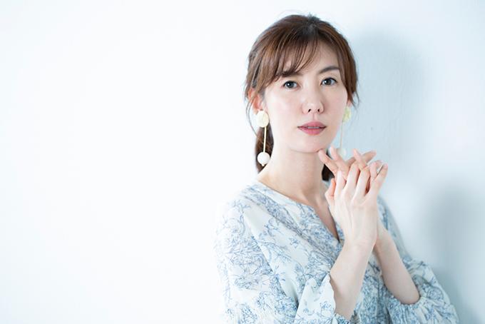 ともさかりえさんインタビュー<前編> 舞台『鎌塚氏』にかける思いと舞台前のカラダづくり