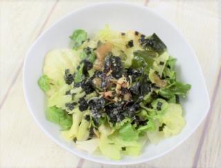 ほどよい辛さの韓国風テイスト♪ レタスをたっぷり味わえるファミマの「チョレギサラダ」