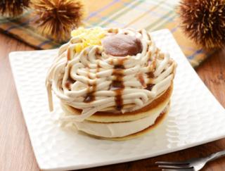 どこから食べても栗尽くし☆ 濃厚クリームが楽しめる「モンブランのクリームパンケーキ」(ローソン)