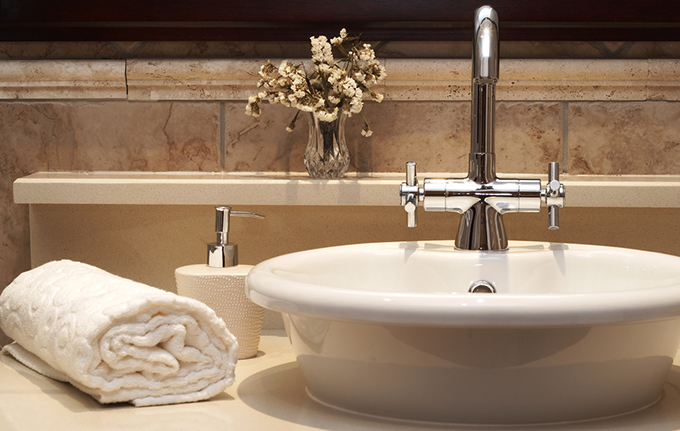 タオルと洗面台の画像