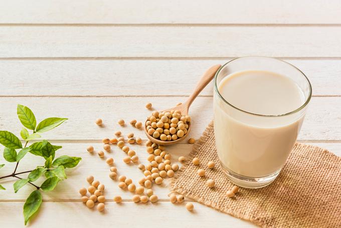 大豆と豆乳の画像