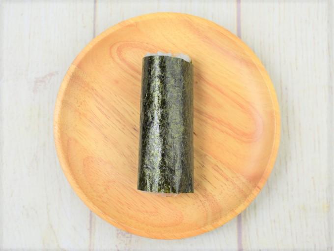 お皿に移した「手巻寿司 サーモンとクリームチーズ」の画像