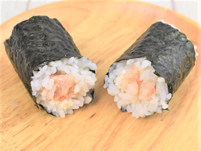 断面をアップにした「手巻寿司 サーモンとクリームチーズ」の画像