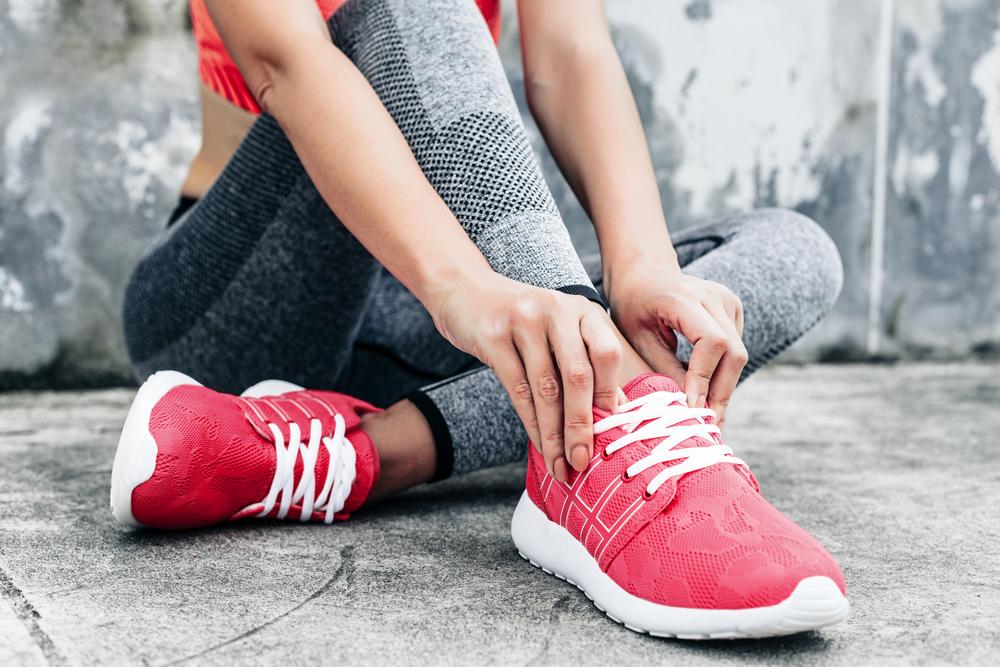 靴をはいている女性