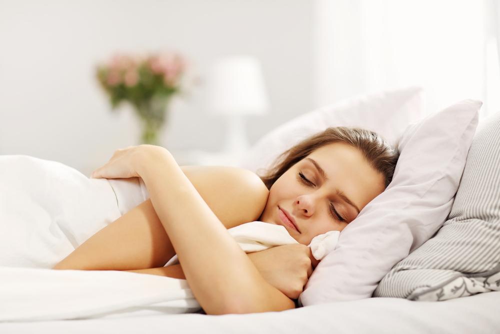 よい睡眠をとっている女性