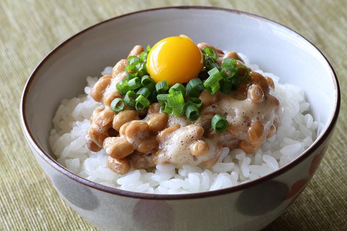 朝食は卵かけご飯➕納豆がおすすめ
