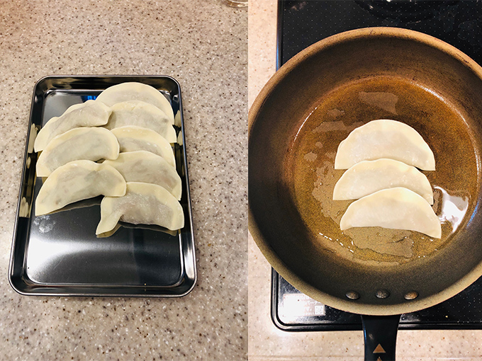フライパンでぎょうざを焼く様子(右)と焼く前のぎょうざ。
