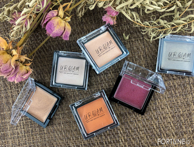 【100均コスメ ダイソー】ユーアーグラム(U R GLAM)から秋冬の新作「エアリーアイカラー」全6色が発売中!軽やかな付け心地のクリームシャドウ