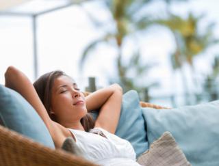 昼寝はやっぱり健康にいいみたい。「5分」でも意外な効果が!