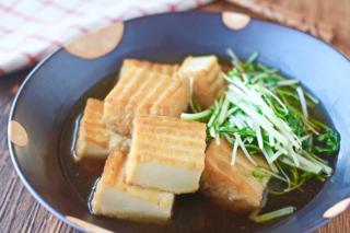 煮汁がしみ込むとさらにおいしい「水菜と厚揚げの煮びたし」