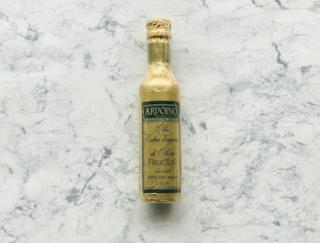 フルーティーで、そのままかける生食に最適! カルディで見つけたイタリア産の最高峰オリーブオイル