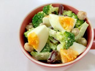 ボリュームたっぷり!「ブロッコリーとゆで卵の豆サラダ」 #今日の作り置き