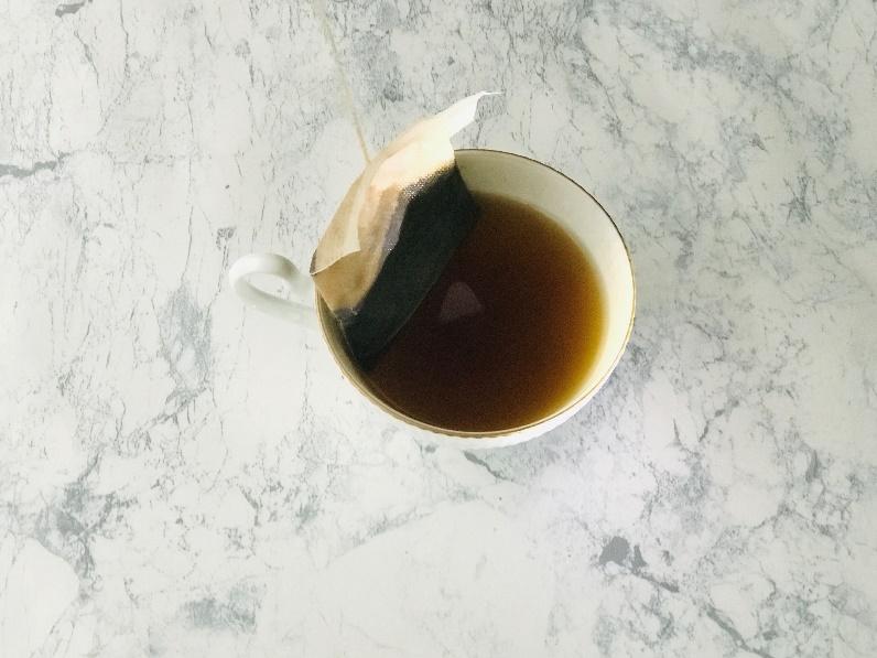 カップに抽出したコーヒー