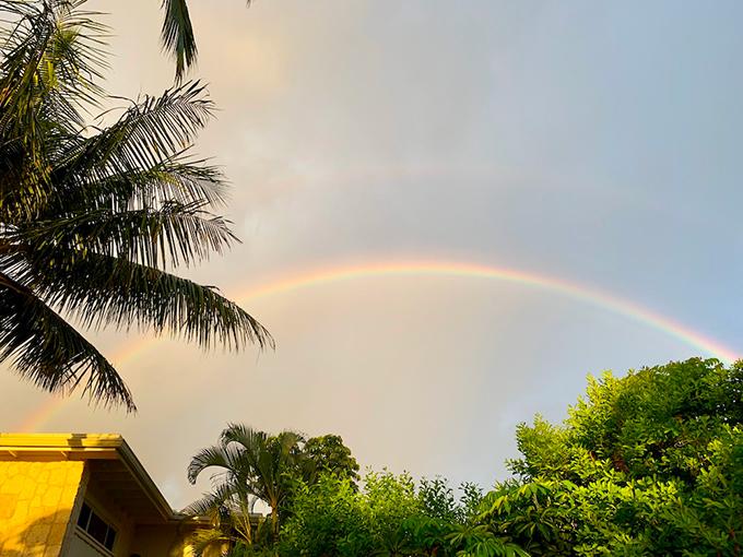 虹がかかったハワイの空