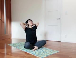 【ダンサーが教える体質改善】疲れやだるさを解消! 寝起きにできる秋バテ対策ストレッチ